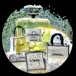 Accessories - 🍒CHANEL Snow Globe Limited Edition Novelty Item